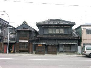 宝来町の蔵づくりの家