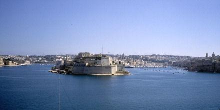 城砦都市という名がぴったりのヴァッレッタ
