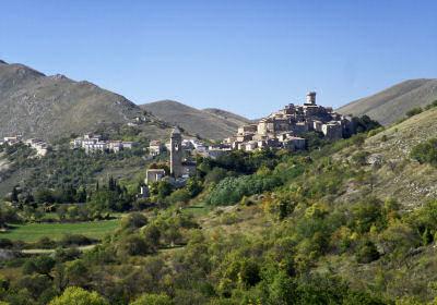 サント・ステーファノ・ディ・セッサーニオの遠景