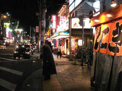 鶴橋駅前の賑わい