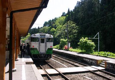 会津宮下駅の上り列車