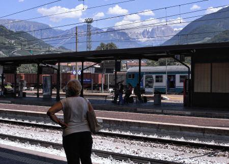ボルツァーノ駅から見える山々