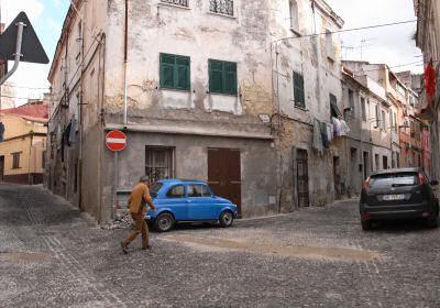 旧市街で見た青いチンクェチェント