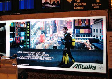 ミラノ空港でみた日本観光のポスター
