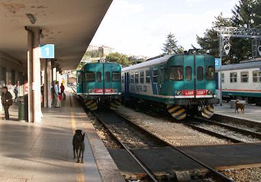 ラークイラ駅