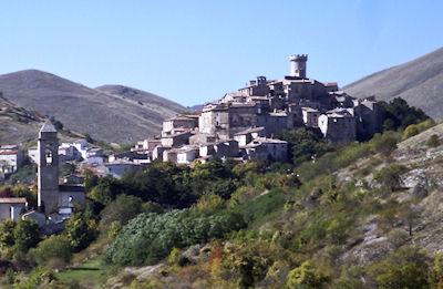 サント・ステーファノ・ディ・セッサーニョ遠景