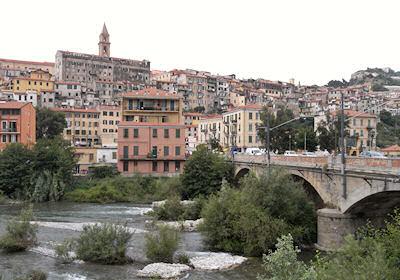 ヴェンティミッリャ旧市街遠景