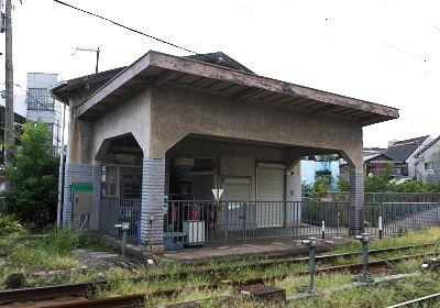西天下茶屋駅駅舎