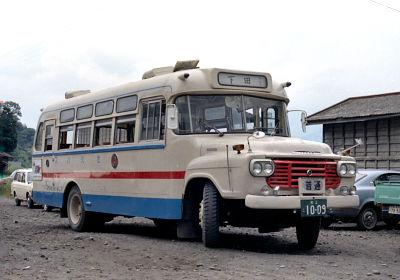 九州産交のボンネットバス