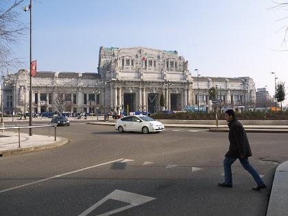 ミラノ中央駅正面