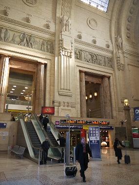 ミラノ中央駅正面入口
