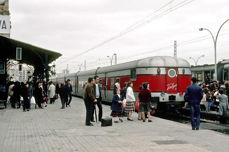 ウェルバ駅のタルゴ