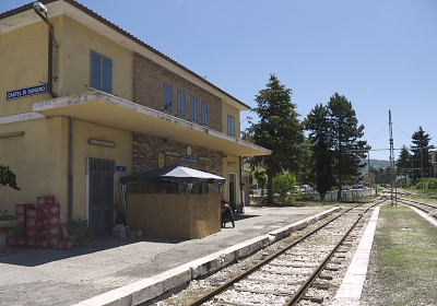 カステル・ディ・サングロ駅跡