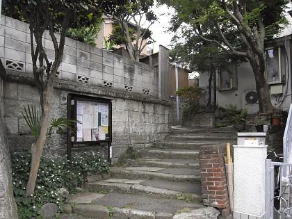 市谷薬王寺町の路地