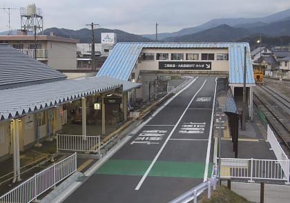 盛駅の大船渡線ホーム