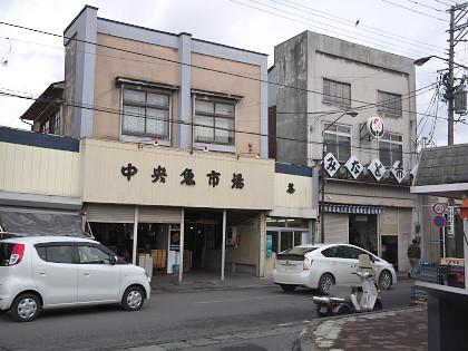 陸中湊駅前