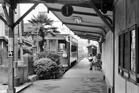 1980年の平野駅1番線