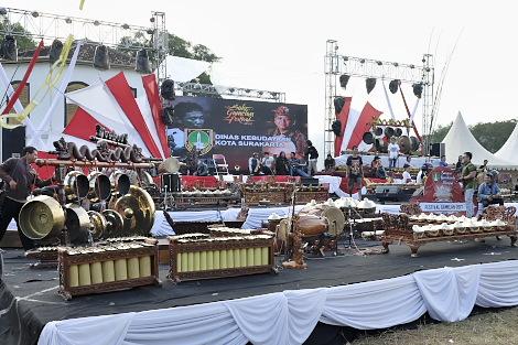 ガムラン音楽祭準備中