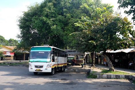 ボロブドゥールのバス乗り場