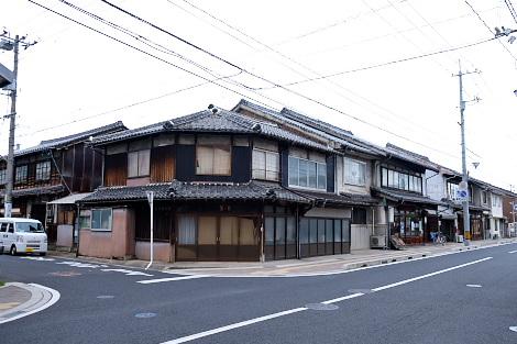 東本町の街並み 米田酒造