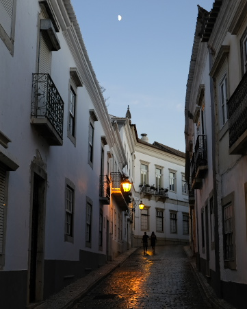 旧市街の夕暮れ
