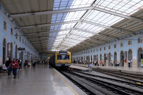 サンタ・アポローニャ駅