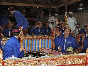 ガムラン音楽の楽団