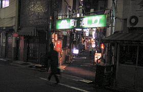 夜の栄町通り