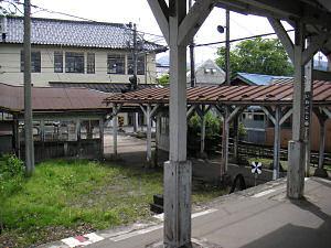 岩峅寺駅連絡通路