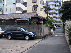 龍岡町の路地