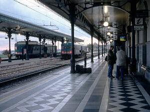 タオルミーナ=ジャルディーニ駅