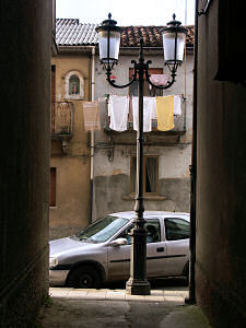 セッラ・サン・ブルーノ新市街の洗濯物
