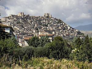 モラーノ・カラブロの遠景