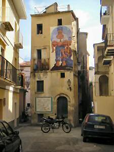 壁画のあるアパート