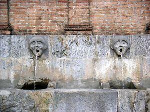 カストロヴィッラリの水飲み場