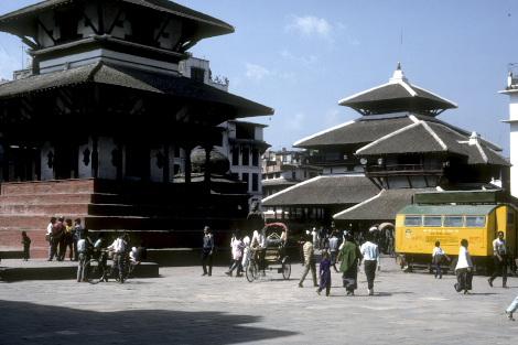 1989年のナラヤン寺院前