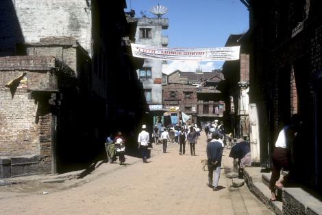 1989年のバクタプル繁華街