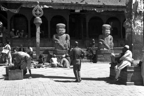 1989年のダッタトラヤ寺院前