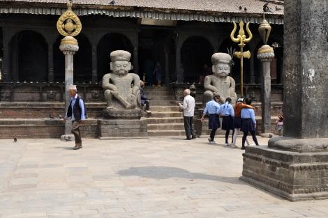 2019年のダッタトラヤ寺院前