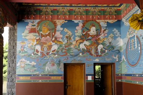ジョムソンのチベット仏教寺院の入口